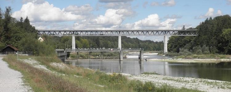 Großhesseloher Brücke.jpg