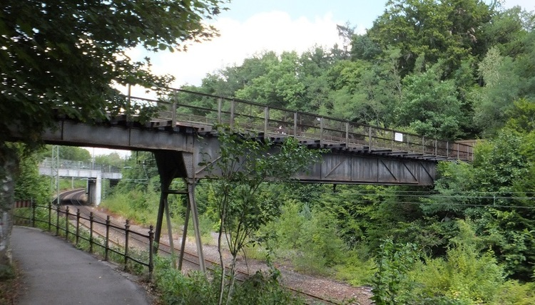 Isartalbahn-Brücke.jpg