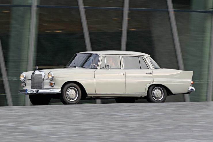 Mercedes-Benz-190-Seitenansicht.jpg.6e9189423f84496cda9d27c87645c8c7.jpg